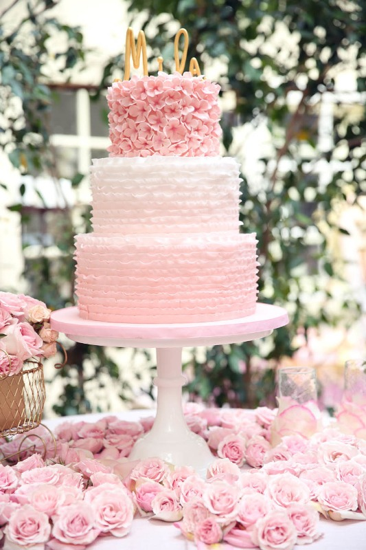 32-romantic-light-pink-wedding-cakes-12