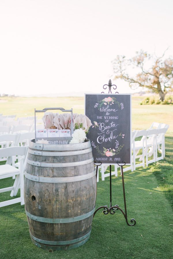 RUSTIC-CHIC-MEETS-VINTAGE-BARN-WEDDING-WITH-A-FRENCH-TWIST-